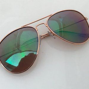 Old Navy Women Sunglasses Gold Tone Metal Frame Av